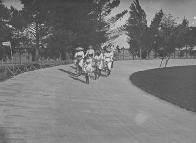 Wanderers' Bicycle Club's Gymkhana, Napier