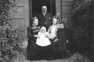 Portrait of an unidentified family group