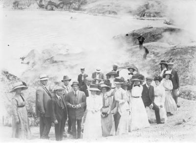 Portrait of an unidentified group at Lake Rotomahana