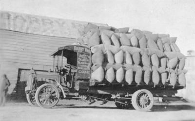 Barry Bros Packard truck