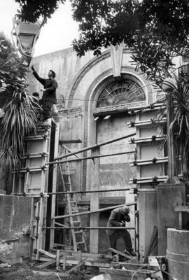 Demolition of the original entrance to the Hawke's Bay Art Gallery and Museum; Daily Telegraph