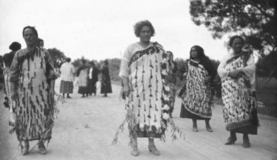 A group of unidentified Māori
