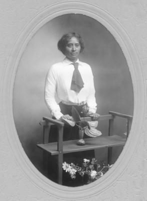 A portrait of Wiki Christie