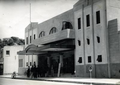 Municipal Theatre, Tennyson Street, Napier; Daily Mail