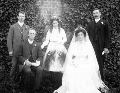Wedding photograph of John Ernest Glenny and Elsie May Pettit