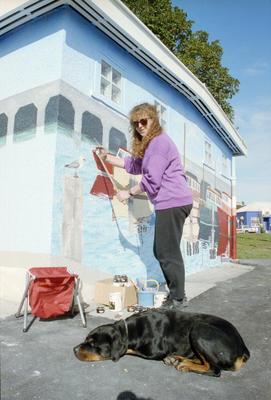 Brenda Morellis, Public Toilet Block Mural, Ahuriri, Napier