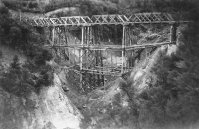 Railway bridge on the East Coast railway line