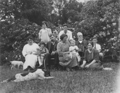 Portrait of the Ebbett family