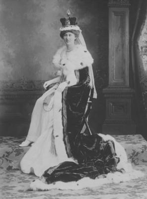 Portrait of an unidentified woman in royal regalia