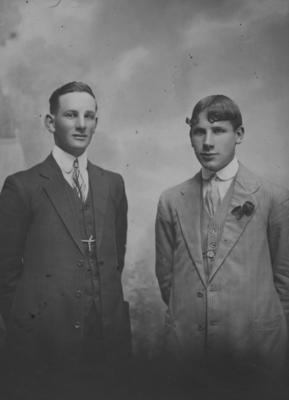 Les Grant and an unidentified man