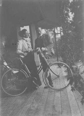 Bessie Spencer and her brother Major Charles Spencer, Omatua, Rissington