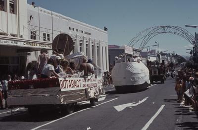 Napier Centennial parade, parade of floats