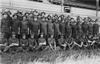 Group portrait, E & F Section, New Zealand Medical Corps Reinforcements