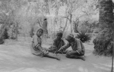 Children playing, Tel el Kebir