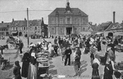 Étaples, Place de l'Hotel de Ville and Marché
