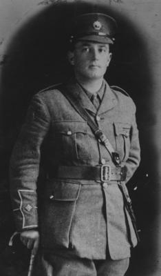 Portrait, Lieutenant S I Dixon