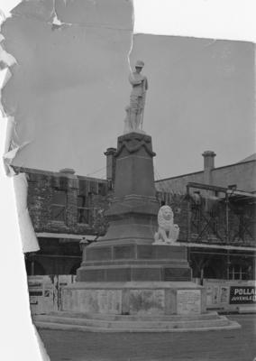 The South Africa War Memorial, Marine Parade, Napier