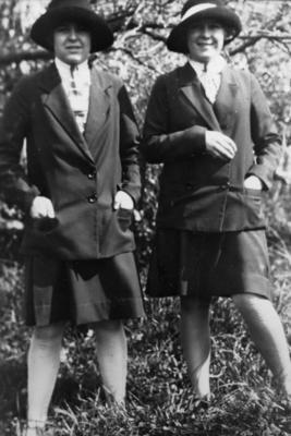 Thelma and Doris Svensen