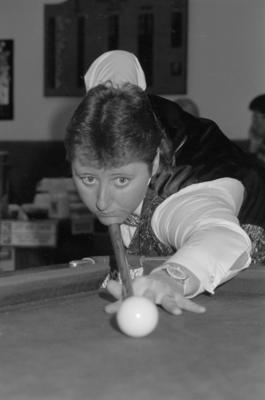Snooker Champion Deposed at Nationals, Lorraine Field