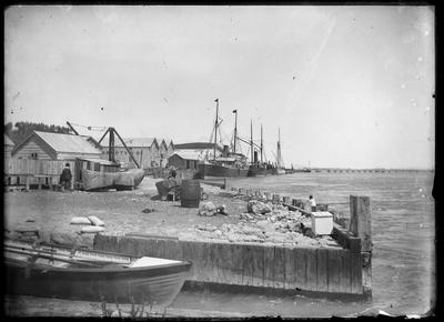 Port Ahuriri, Breastwork; Duncan, Russell