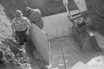 Unidentified Workmen in Creek, Pandora