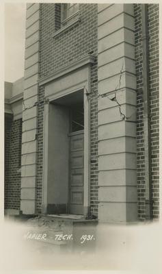Earthquake damage, Napier Technical Institute, 1931; Savage, Richard; 2016/12/5
