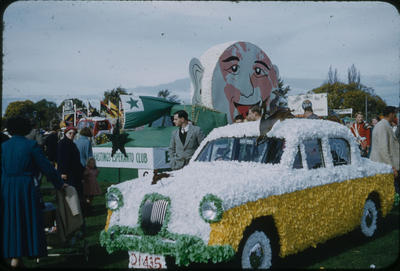Hastings Blossom Festival, Decorated car and Hastings Esperanto Club float