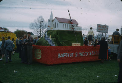 Hastings Blossom Festival, Baptist Sunday School float