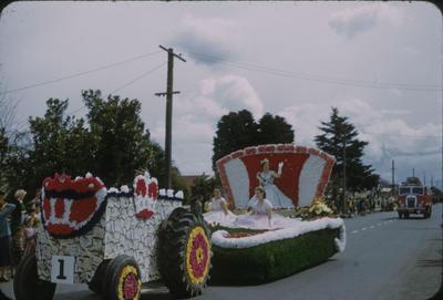 Hastings Blossom Festival, Blossom Queen float