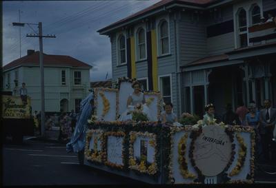 Hawke's Bay Centennial Parade, Très Bon Florist float