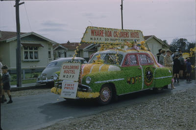 Hastings Blossom Festival, WDFF Whare-Koa Children's Hostel float