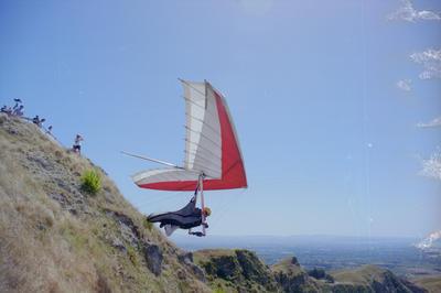 Hang-glider Brent Zillwood, Te Mata Peak