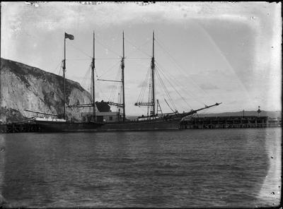 Ship at wharf; Nelson, David; 2018/19/10