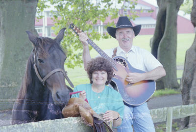 Jim Toner, country musician, before leaving  Napier to work in Wellington. He and his wife Evelyn are pictured with the horse Peter Pan.