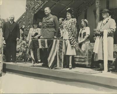 Governor-General and others at dedication of Houngarea Marae memorial gates, Pakipaki
