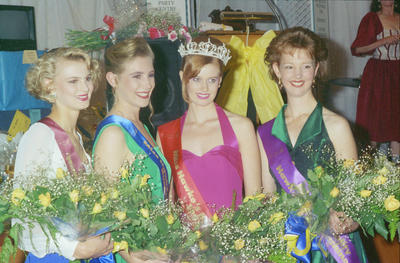 Miss Hawke's Bay Sunshine, Catherine McLeary with the event's other prize-winners