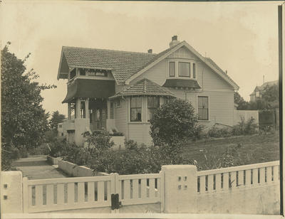 House designed by Louis Hay
