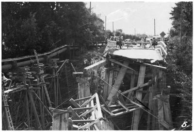 Collapsed bridge on road between Hastings and Havelock North