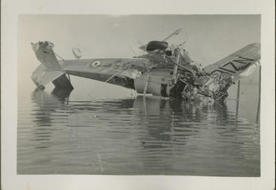 Wrecked Vickers Vildebeest aircraft in water