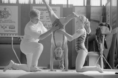 Karen Foster, Biddie Holmes, Lynda Carrick