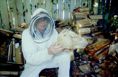 Beekeeper Bob Wotherspoon