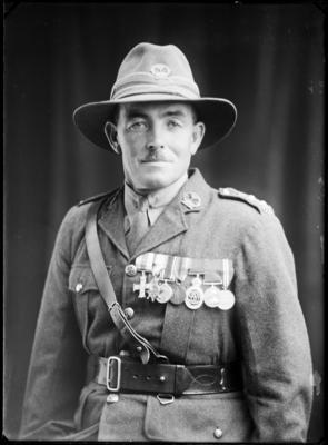 Unidentified man in WWI uniform