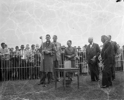 The joint owner of Marquita, winner of the Napier Gold Cup at the Napier Park races on Saturday, Mr A. G. Wood, is pictured speaking after receiving the trophy