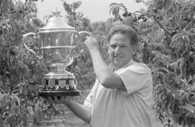 Hastings orchardist John Paynter the Bledisloe Cup for outstanding contribution to the fruit industry