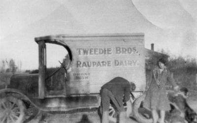 Tweedie Bros Raupare Dairy van