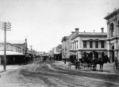 Hastings Street, Napier; Burton Brothers; 51/72