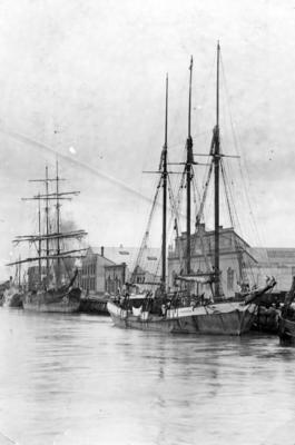 Ships, West Quay