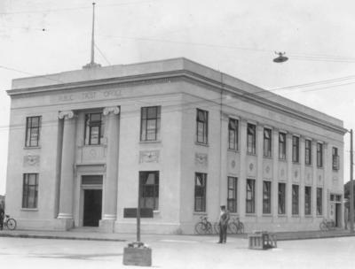 Public Trust Building, corner of Karamu Road and Queen Street, Hastings; Moodie, Frank L