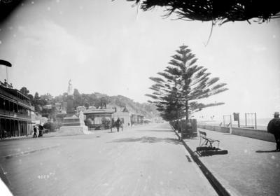 Marine Parade, Napier; 45/369