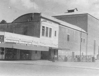 Municipal Theatre, Waipukurau; Moodie, Frank L